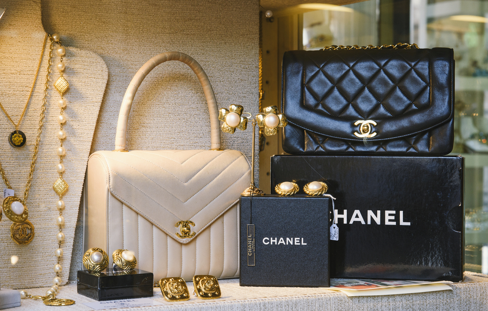 Guide To Chanel Purses And Bags Leather Types The Chic