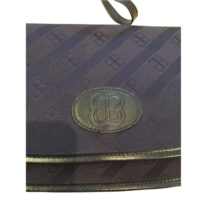 Vintage 1990 monogrammed Shoulder Bag-8