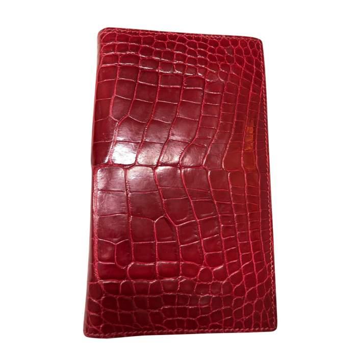 Red crocodile agenda Cover-0