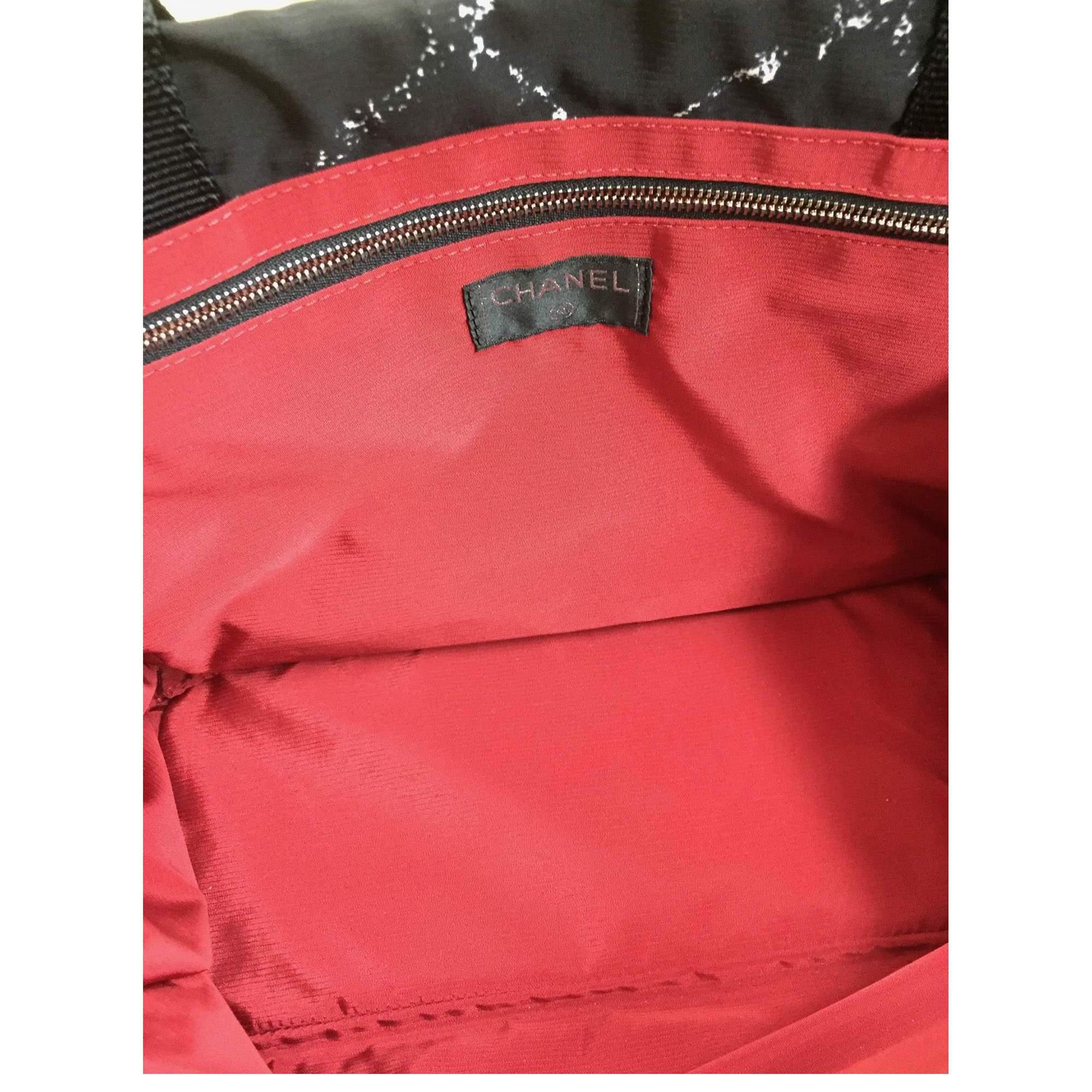 1405a76de1affa Chanel Black waterproof canvas tote Bag | The Chic Selection