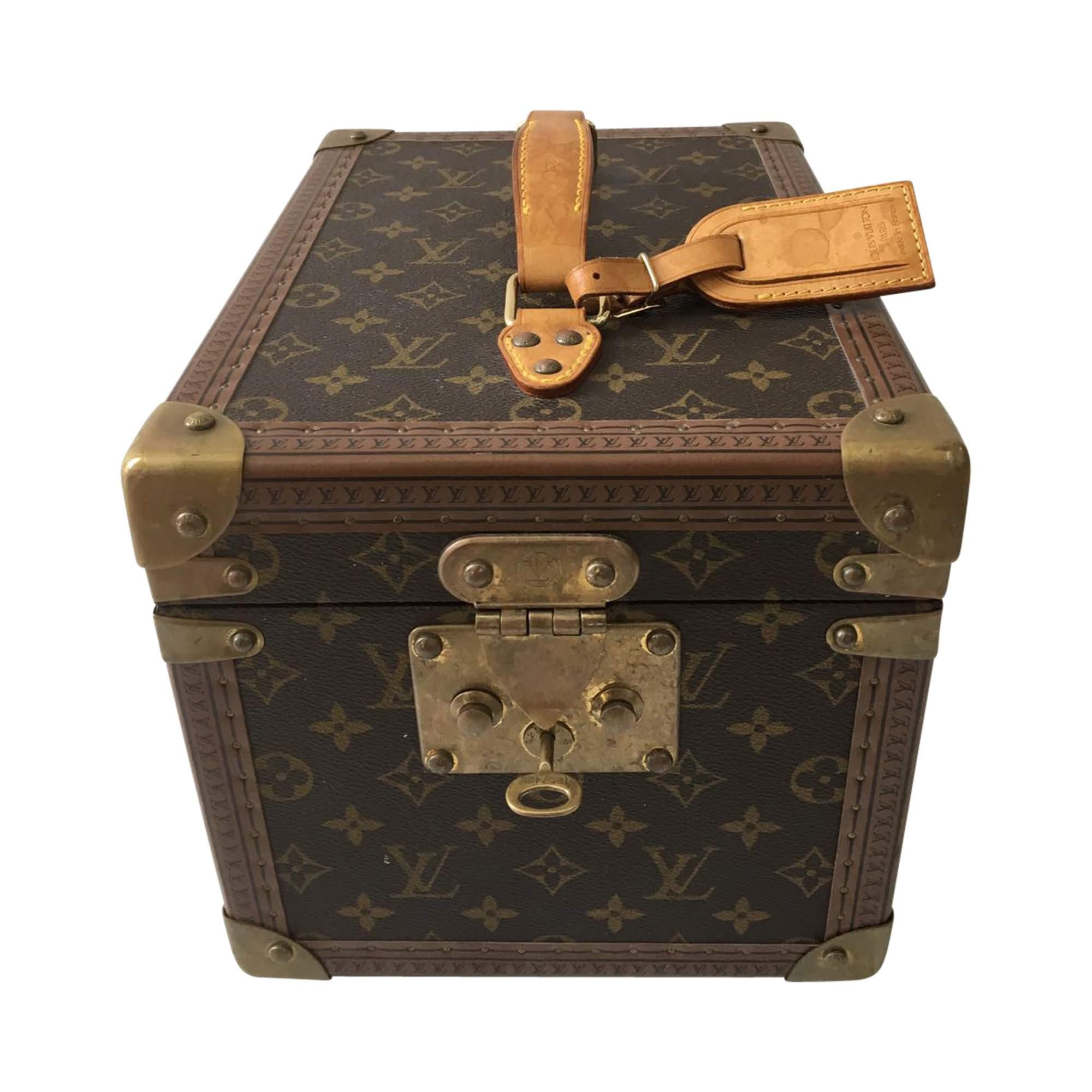 finest selection c0d34 5e3c3 Louis Vuitton Beauty Case   The Chic Selection