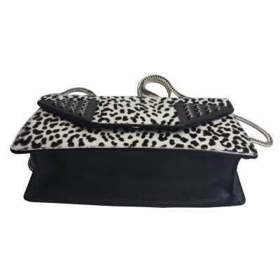 Black and white Handbag-9