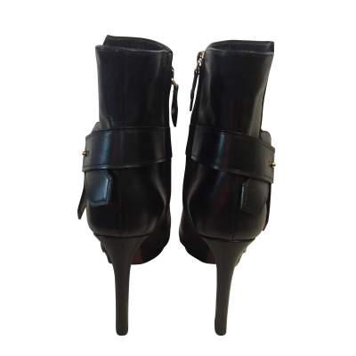 Platform black leather Boots-5