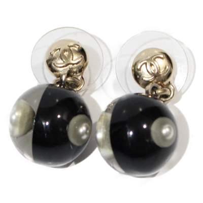 Black Earrings-0