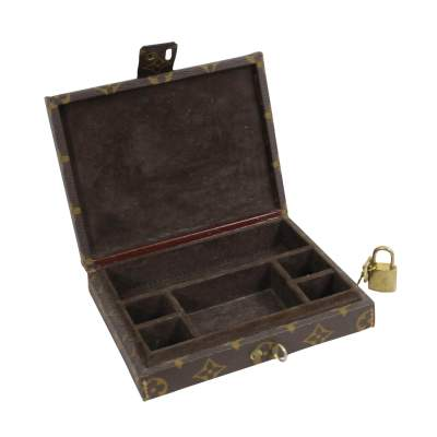 Small Vintage Jewelry Box-3