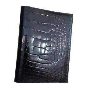 Black alligator agenda Cover -0
