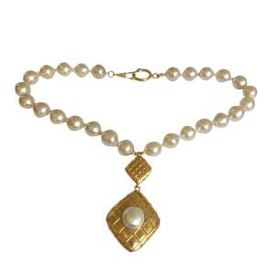 Gold metal pearl Necklace -0
