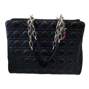 Quilted black leather Bag-0